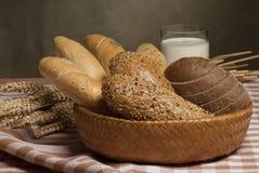 Aún-vida con pan Fotos de archivo libres de regalías