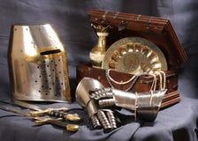 Aún-vida con una armadura Imágenes de archivo libres de regalías