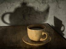 Aún-vida con una taza de té Imágenes de archivo libres de regalías