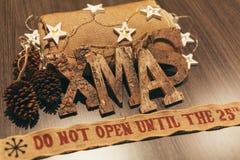 Aún-vida de la decoración de la Navidad con los ornamentos Fotografía de archivo libre de regalías