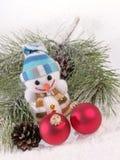 Aún-vida de la Navidad con el muñeco de nieve Foto de archivo libre de regalías