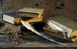 Aún-vida de los libros viejos Fotografía de archivo libre de regalías