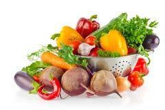 Aún-vida de los verdes orgánicos frescos y de las especias de las verduras Imagen de archivo libre de regalías