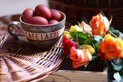 Aún-vida de Pascua en casa Imágenes de archivo libres de regalías
