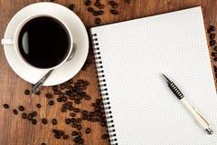 Aún-vida del asunto con la taza de café Foto de archivo libre de regalías