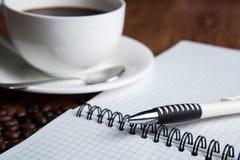 Aún-vida del asunto con la taza de café Imagen de archivo