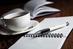 Aún-vida del asunto con la taza de café Imagen de archivo libre de regalías