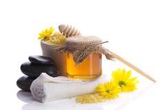 Aún-vida del balneario con la miel Imagen de archivo