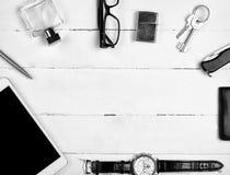 Aún-vida del negocio con la tableta y otros accesorios Imagen de archivo