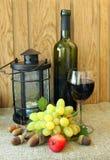 Aún-vida del otoño con un vidrio de vino Imagenes de archivo
