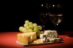 Aún-vida del vino y del queso Fotos de archivo libres de regalías