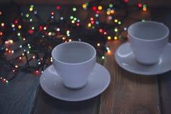 Aún vida festiva con dos tazas de café Imágenes de archivo libres de regalías