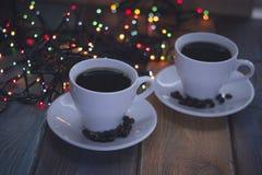 Aún vida festiva con dos tazas de café Imagenes de archivo