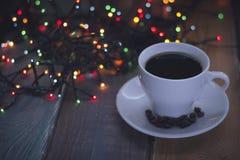 Aún vida festiva con una taza de café Imágenes de archivo libres de regalías