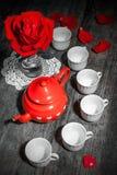 Aún vida hermosa con té color de rosa Imagen de archivo libre de regalías