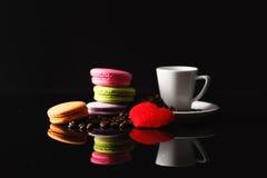 Aún-vida hermosa del café en un fondo oscuro Foto de archivo libre de regalías
