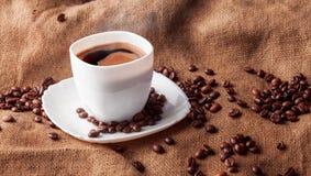Aún vida horizontal con la taza de café Imagen de archivo libre de regalías