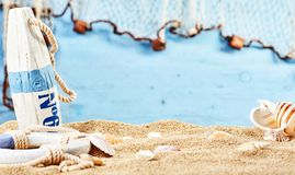 Aún vida náutica en la arena de la playa Imagen de archivo libre de regalías