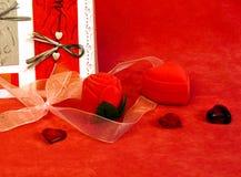 Aún-vida para el día de tarjetas del día de San Valentín Imagenes de archivo