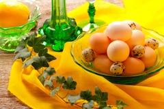 Aún vida retra con los huevos Imagen de archivo