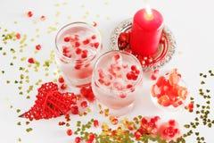 Aún vida romántica Celebración del día del ` s de la tarjeta del día de San Valentín del santo Primer Fotografía de archivo