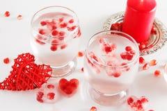 Aún vida romántica Celebración del día del ` s de la tarjeta del día de San Valentín del santo Primer Imagen de archivo