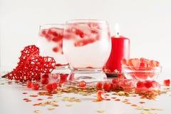 Aún vida romántica Celebración del día del ` s de la tarjeta del día de San Valentín del santo Primer Fotografía de archivo libre de regalías