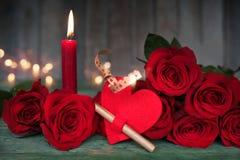 Aún vida romántica hermosa para el día de tarjetas del día de San Valentín Foto de archivo