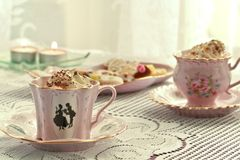 Aún-vida y tortas del café Foto de archivo