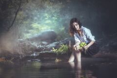 Free A Beautiful Village Woman Wash Vegetables Stock Photography - 178796702