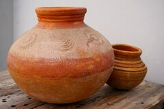 Free A Close Up Shot Of An Earthen Pot Or A Clay Pot Royalty Free Stock Images - 174936029
