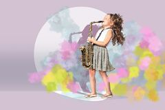Free A Female Gradeschooler Saxophonist Stock Photography - 187429842