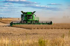 Free A John Deere Combine Harvester Clearing A Soybean Field Royalty Free Stock Photography - 161530247