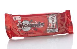Free A Package Of 5 Snack Size Mounds Candy Bars Stock Photography - 160674262