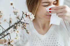 Free A Woman Suffers From Allergies During The Flowering Period. Stock Photo - 144995880