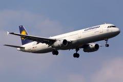 汉莎航空公司空中客车A321 免版税库存照片