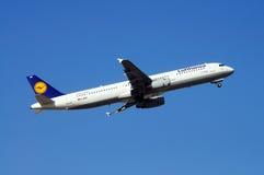 汉莎航空公司空中客车A321 库存照片