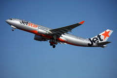 a330 Airbus jetstar outre de la prise Image libre de droits