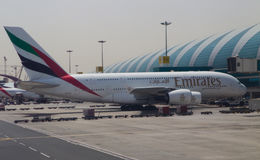 a380 lotnisko dokujący Dubai emiraty Fotografia Royalty Free