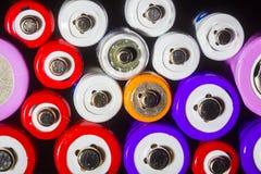 AA, aaa, fondo del extracto de la energía de 18650 baterías, cierre para arriba Imágenes de archivo libres de regalías