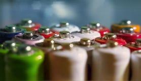 Aa, D.C.A., fond d'abrégé sur énergie de 18650 batteries, fin  Images stock