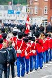 AABENRAA, DÄNEMARK - 6. JULI - 2014: Tambour-Korps an einer Parade an lizenzfreies stockbild