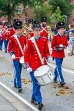 AABENRAA, DÄNEMARK - 6. JULI - 2014: Tambour-Korps an einer Parade an lizenzfreies stockfoto
