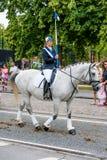 AABENRAA, DANIMARCA - 6 LUGLIO - 2014: Cavalieri partecipanti in una parità fotografia stock