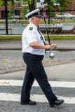 AABENRAA DANMARK - JULI 6 - 2014: Tambour kår på en ståta på Royaltyfri Fotografi