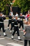 AABENRAA DANMARK - JULI 6 - 2014: Tambour kår på en ståta på Royaltyfri Foto
