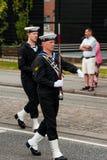 AABENRAA DANMARK - JULI 6 - 2014: Tambour kår på en ståta på Arkivfoton