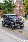 AABENRAA DANMARK - JULI 6 - 2014: Veteranbil på en ståta på th Fotografering för Bildbyråer
