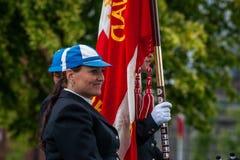 AABENRAA, DINAMARCA - 6 DE JULIO - 2014: Jinetes participantes en un par Fotografía de archivo