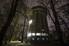 Aachen den roterande tornbelvederen på natten Royaltyfria Foton
